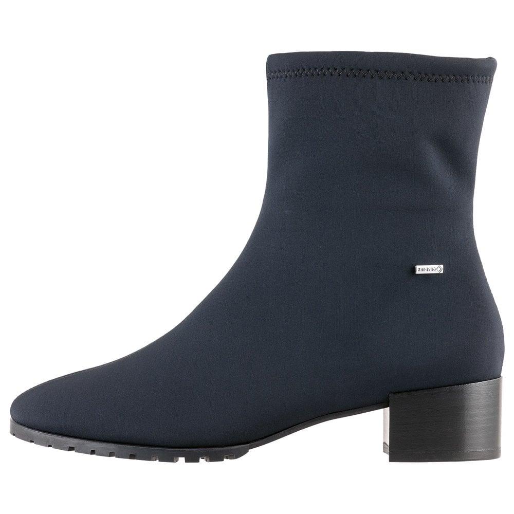 Ladies Gore-Tex Boots in Black